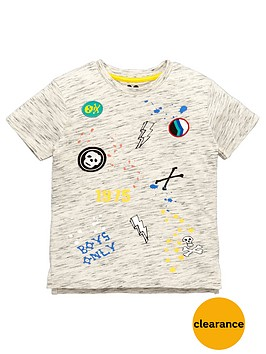 mini-v-by-very-boys-badge-and-print-t-shirt
