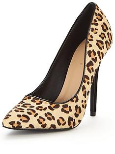 v-by-very-saranne-leopard-point-court-shoe
