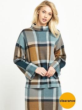 warehouse-check-jumper