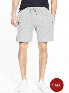 new-era-new-york-yankees-fleece-shorts