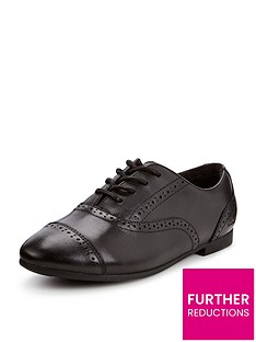 clarks-younger-girls-selsey-cool-shoes