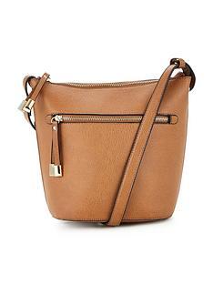 oasis-bailee-bucket-bag