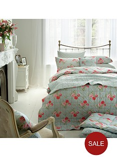 cath-kidston-antique-rose-bouquet-bedspread