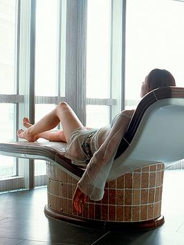 virgin-experience-days-one-night-spa-break-for-two-at-the-radisson-blu-edwardian-new-providence-wharf-canary-wharf-londonnbsp