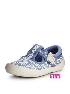 clarks-briley-bow-first-shoe