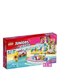 lego-juniors-andrea-amp-stephanies-beach-holiday-10747