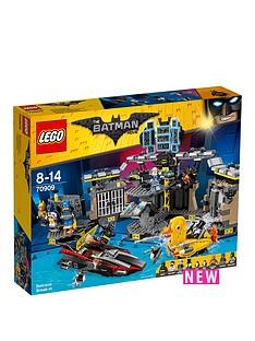 lego-the-batman-movie-lego-batman-batcave-break-in