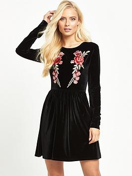 glamorous-floral-velvet-dress-black