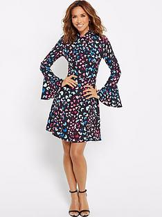 myleene-klass-printed-a-line-mini-with-flute-sleeve