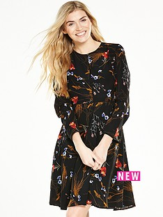 v-by-very-printed-longsleeve-tea-dress
