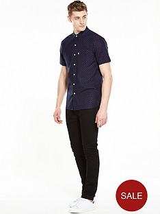 levis-short-sleeved-sunset-one-pocket-shirt