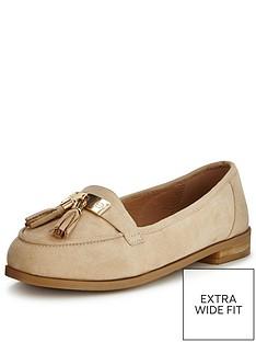 so-fabulous-lynda-extra-wide-fit-tasseled-loafer-nude