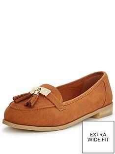 so-fabulous-lynda-extra-wide-fit-tasseled-loafer-tan