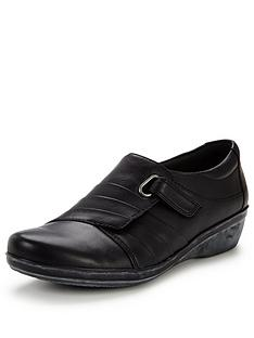 clarks-everlay-luna-comfort-shoe-black