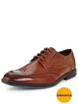 clarks-prangley-limit-wing-tip-shoe