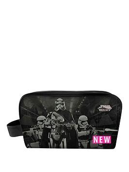 star-wars-episode-vii-toiletry-bag