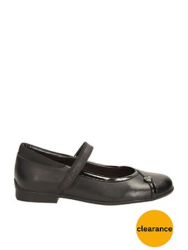 clarks-girls-shoes