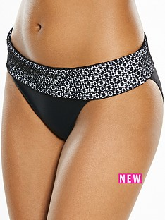 v-by-very-controlwear-lace-detail-wide-band-bikini-brief-blacknbsp