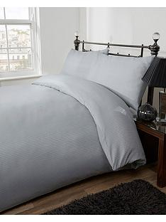 silentnight-300-thread-count-sateen-stripe-duvet-set