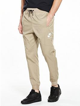 nike-international-woven-pant