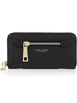 marc-jacobs-gotham-standard-continental-wallet-black