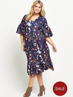 lost-ink-curve-skater-dress-in-naicircve-floral-print