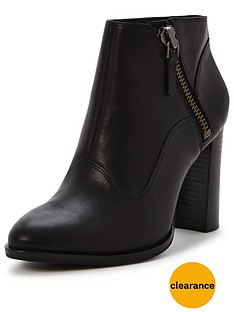 ugg-dolores-side-zip-ankle-boot