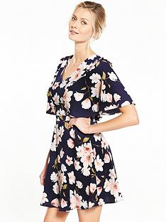 v-by-very-printed-tea-dress