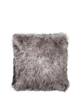 luxury-faux-fur-cushion