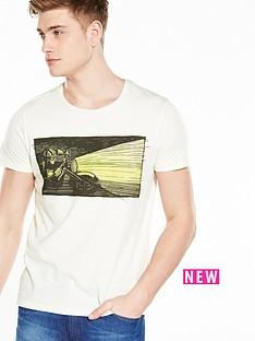 wrangler-short-sleeve-graphic-tshirt