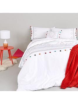suki-aztec-filled-cushion