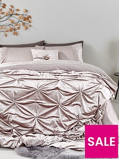 amelie-crushed-velvet-bedspread-throw