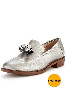 clarks-taylor-spring-loafer