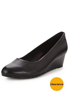 clarks-vendra-bloom-low-wedge-shoe