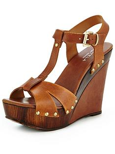 carvela-katey-wooden-wedge-tan