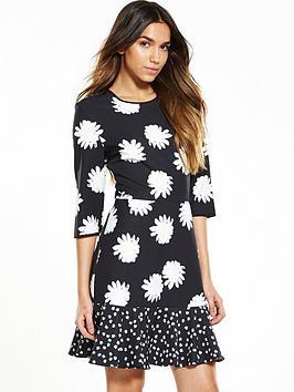 warehouse-daisy-floral-print-peplum-hem-dress