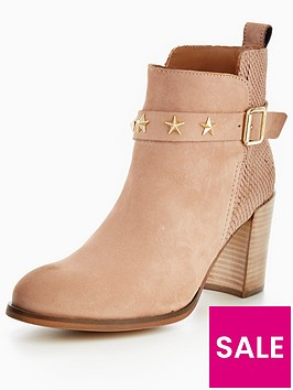 tommy-hilfiger-penelope-buckle-heeled-ankle-boot-tan