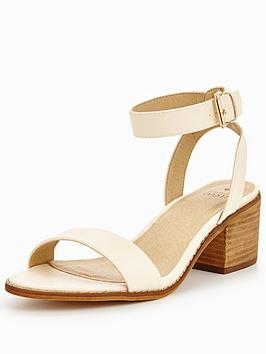oasis-brooke-block-heel-sandal