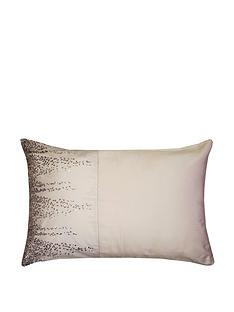 kylie-minogue-jessa-housewife-pillowcase