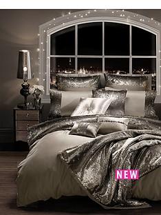 kylie-minogue-mila-housewife-pillowcase