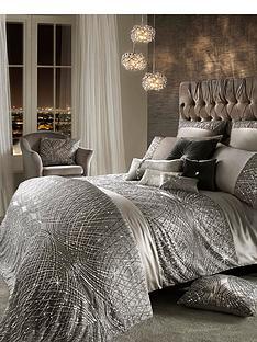 kylie-minogue-esta-square-pillowcase