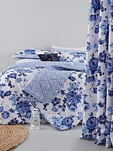 catherine-lansfield-pippa-floral-rose-eyelet-curtains