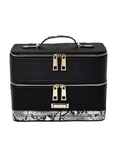 river-island-quilted-vanity-case