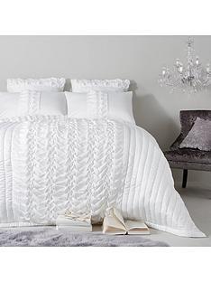 kylie-minogue-felicity-bedspread-throw