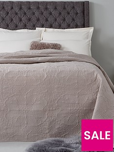 hotel-collection-luxury-vintage-paisley-quilted-cotton-bedspread-throw