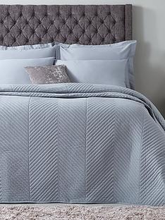 hotel-collection-luxury-contemporary-geometric-quilted-cotton-bedspread-thrownbsp165x240cm