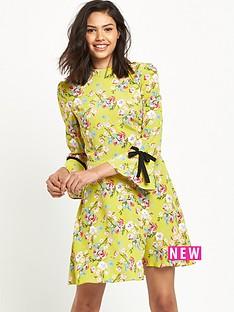 miss-selfridge-miss-selfridge-chartruse-floral-collar-dress