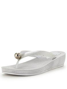 wallis-jacey-wedged-flip-flop-silver
