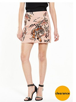river-island-embroidered-tig