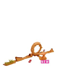 cars-cars-3-willys-butte-transforming-playset